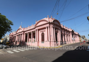 Casa del Gobierno de Corrientes, place 25 de Mayo