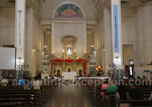 Cœur de la basilique Notre-Dame de Itati