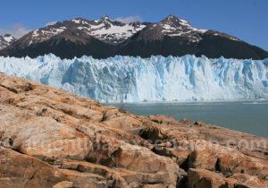 Roche et glace de Patagonie