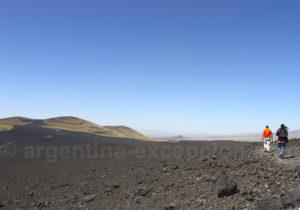 Sur le chemin du cratère du volcan Morado