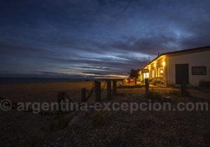 Lodge Bahia Bustamante de nuit