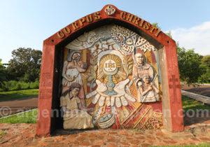 Monument aux jésuites à l'entrée de Corpus, Misiones