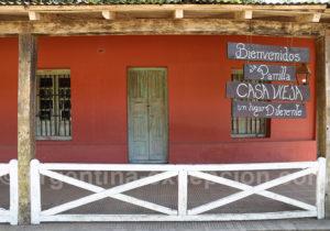 Façade à Santa Ana de Los Guácaras