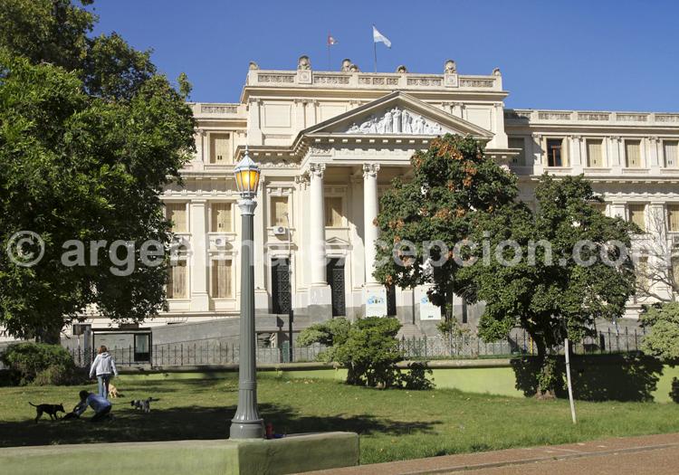Place de l'Intendance, Tribunal de Cordoba