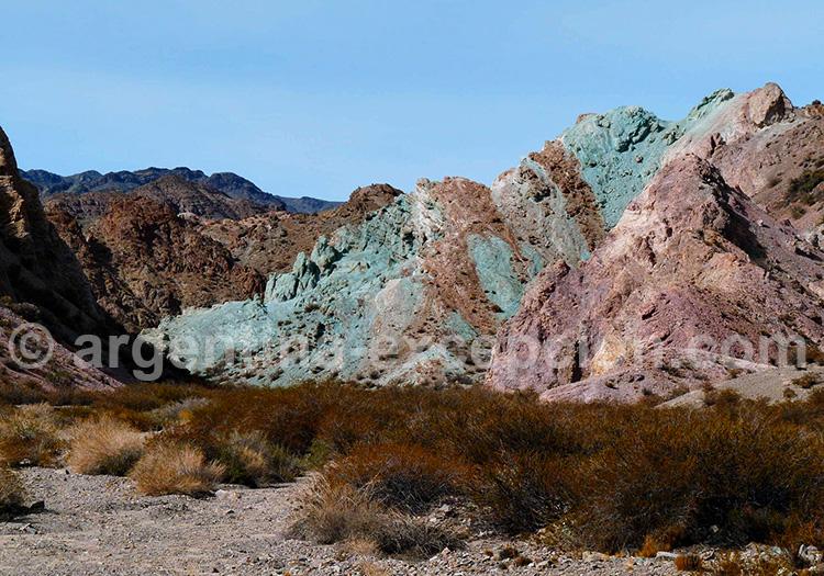 cerro siete colores uspallata