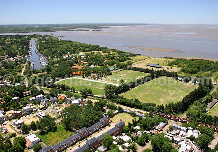 Rio de la Plata et Buenos Aires vus du ciel