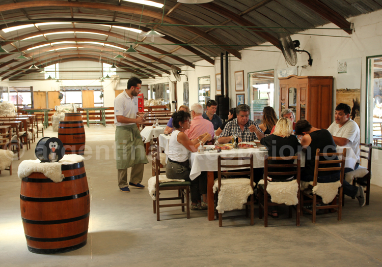 Restaurant de l'estancia San Lorenzo, péninsule Valdès