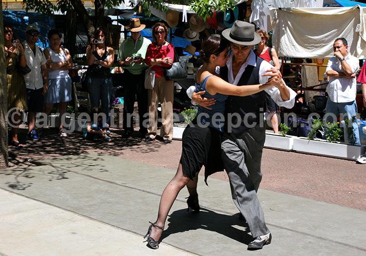 Tango plaza Dorrego, Buenos Aires