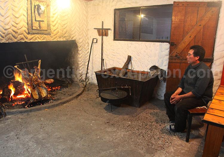 Asado de cordero, estancia Bahia Bustamante