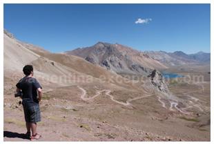Un photographe à Valle Hermoso, province de Mendoza