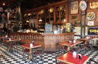 Bar restaurant à Esquel