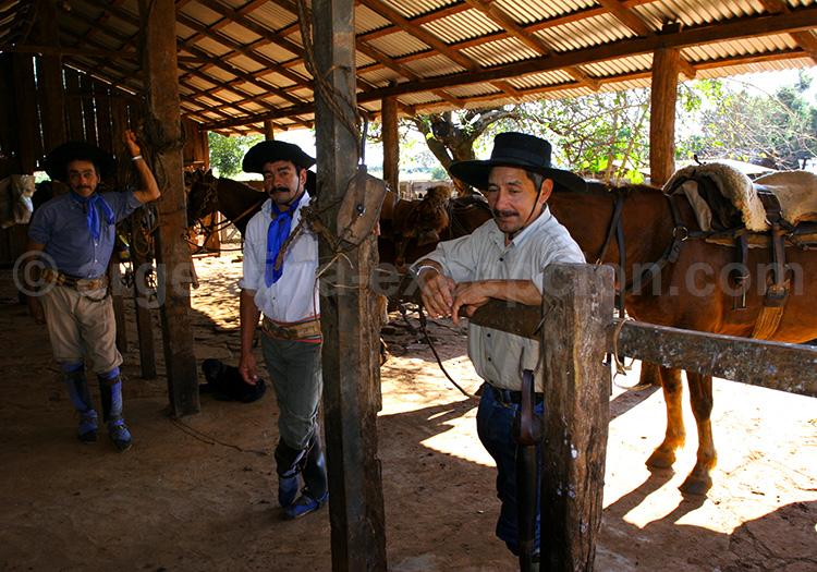 Rencontres avec les gauchos de l'estancia Santa Cecilia, Misiones