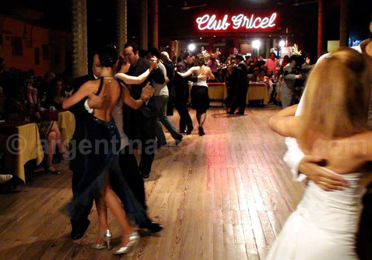 Pratique du tango en milonga, Buenos Aires