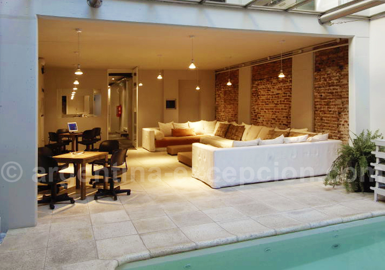 Extérieur, Hôtel Design CE