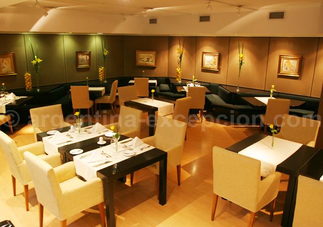 Restaurant, Loi Suites Recoleta
