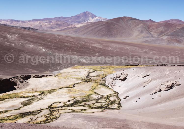 Cerro Copiapó ou Azufre 6052 m vu depuis l'Est