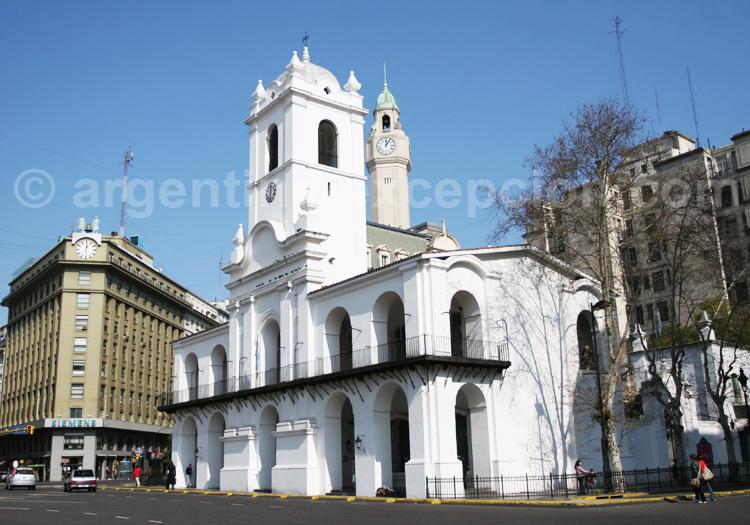 Le Cabildo, Plaza de Mayo