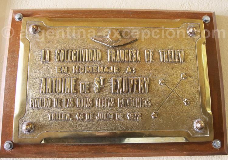 Plaque commémorative à Saint-Exupéry, aéroport de Trelew