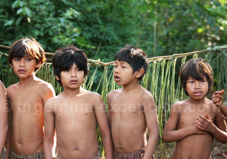 Enfants guaranis, Iguaçu