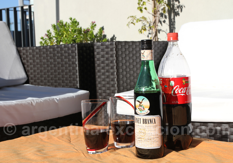Fernet et Coca, la boisson des jeunes argentins