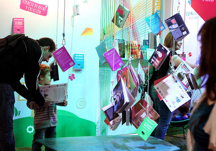 Enfants, Feria de los libros - Crédits Flickr CC Ministerio de la Cultura de la Nación