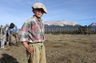 un enfant gaucho et sa boina estancia tres valles argentine
