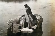 Gaucho en un pantano de la Pampa