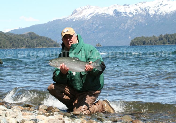 Pêche à la truite, lac Correntoso