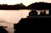 Pesca en el lago Correntoso