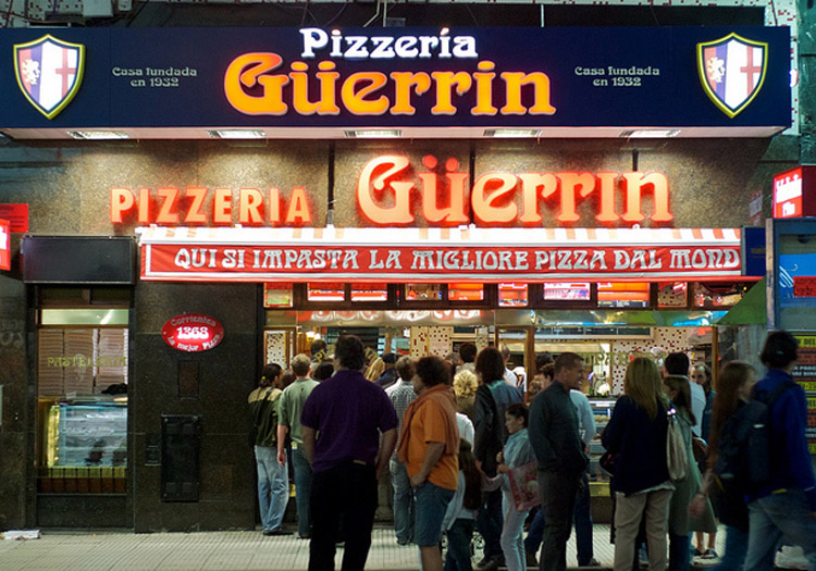 Pizzeria Güerrin Crédits Flickr CC blmurch