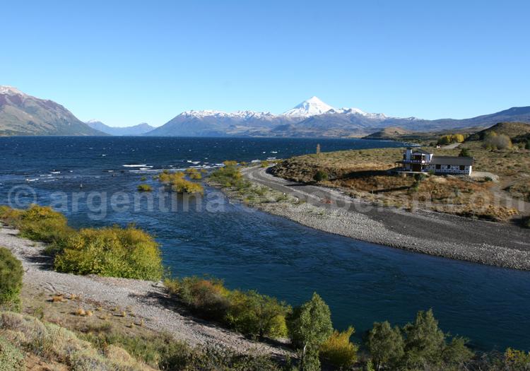 Embouchure río Chimehuin et lac Huechulafquen