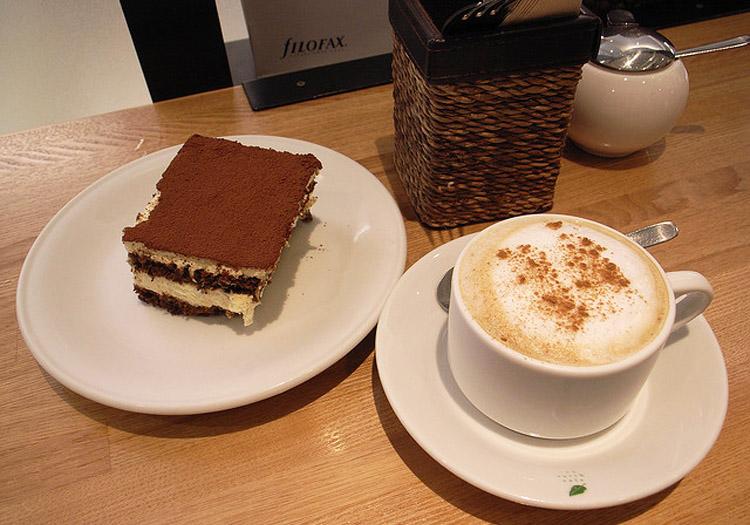 Tiramisu et café Crédits Flickr CC matsuyuki