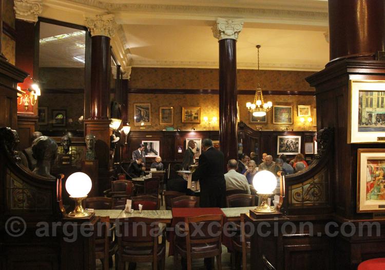 Café Tortoni, bar notable