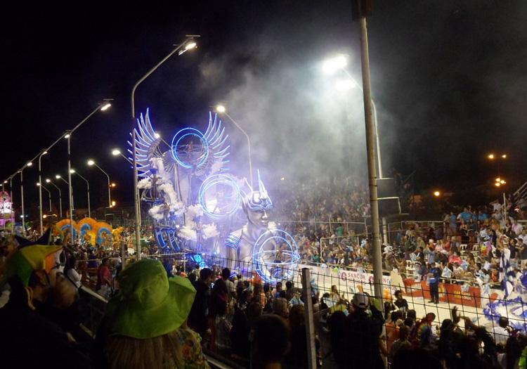 Char au carnaval Gualeguaychu