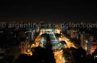 Vue de nuit sur le Congrès depuis le palais Barolo