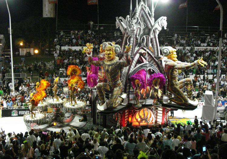 Defilé au carnaval de Gualeguaychu