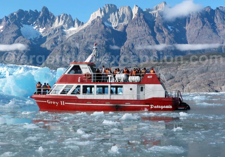 Excursion nautique lac et glacier Grey