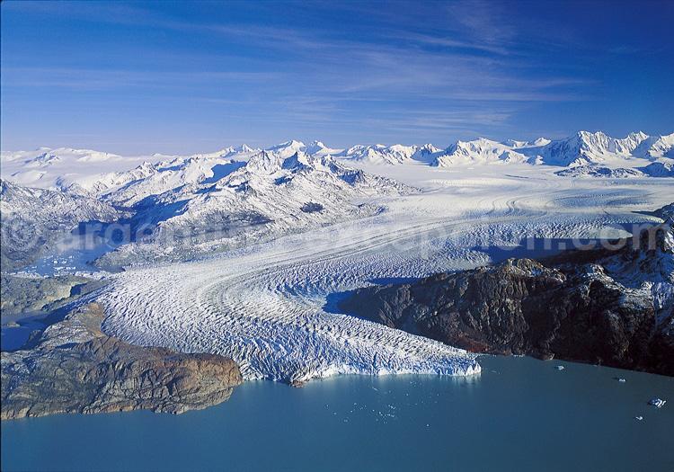 Grand champ de glace et et glacier Viedma