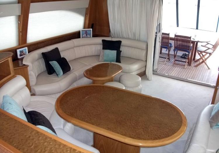 Intérieur du yacht Preveza 58