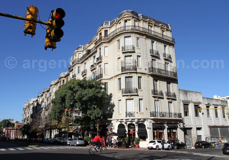 Découverte architecturale du quartier de Montserrat