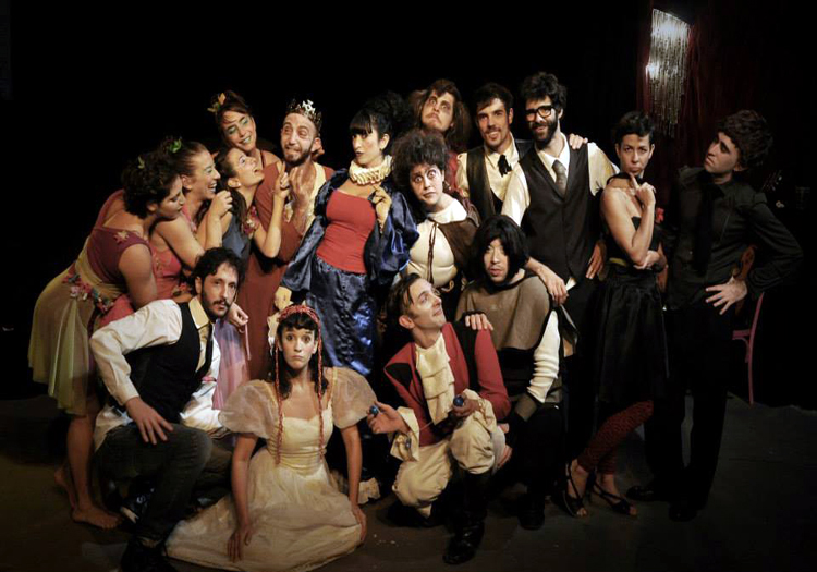 Otra noche en el castillo de Sergio Ballerini, Teatro Mandril Crédits Facebook