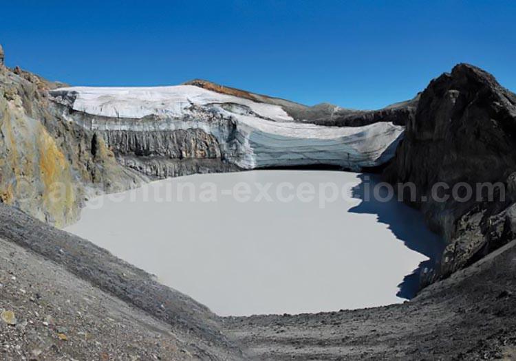 Cratère du volcan Copahue