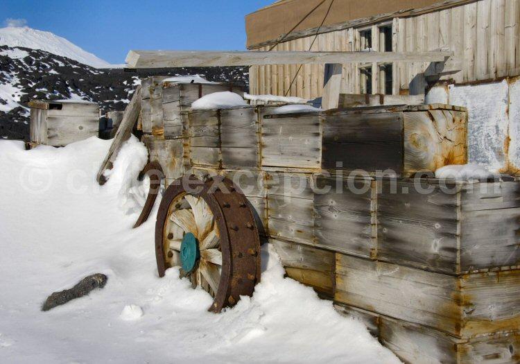 Restes de l'expédition de Shackleton en 1907-1909, Cape Royd, Antarctique © Dan Leeth