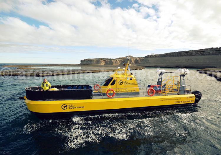 Le semi submersible Yellow Submarine