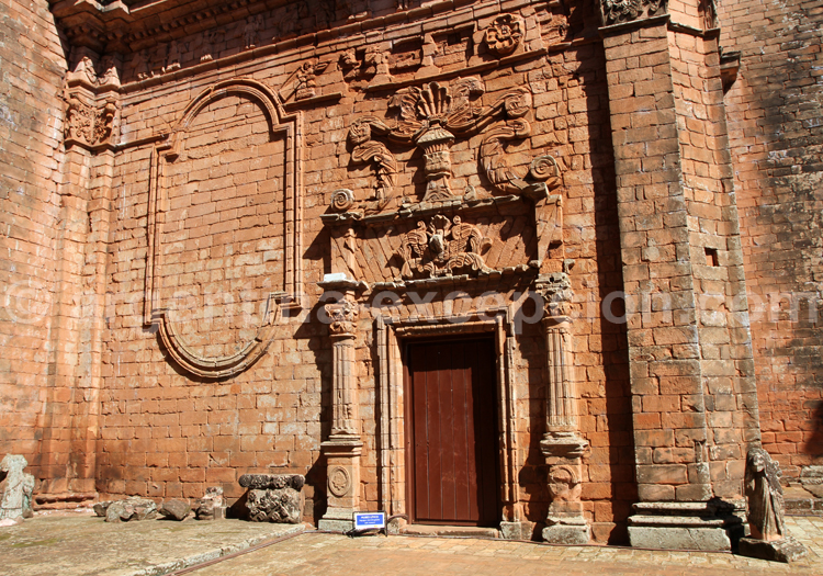 Moulures, Santísima Trinidad, Paraguay