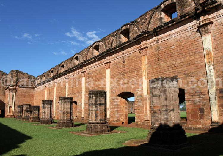 Façade, mission jésuite au Paraguay