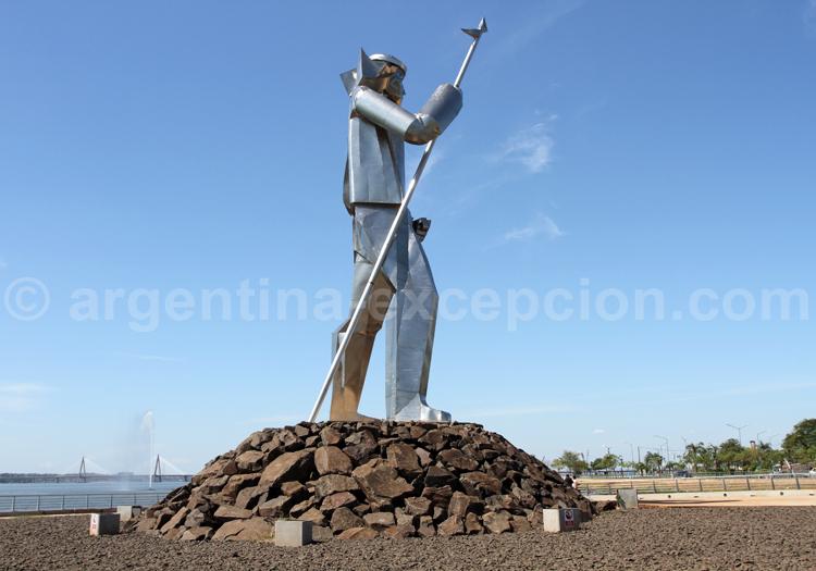 Monument Andrés Guaçurari, Posadas, Misiones