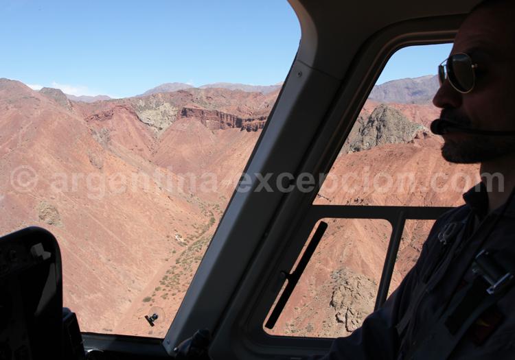 Survol de la quebrada de las Conchas en hélicoptère