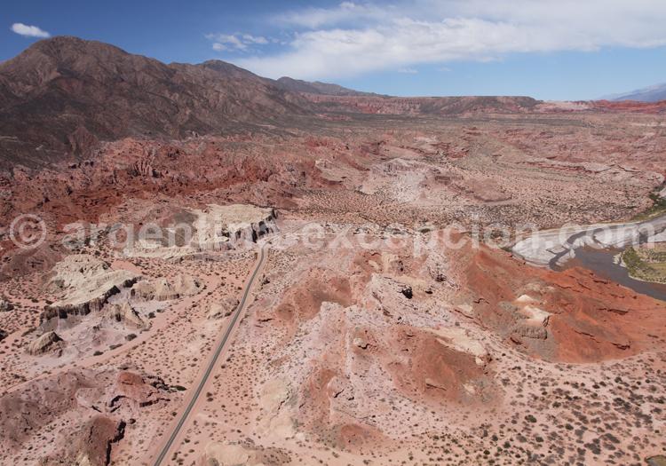 Somptueux survol en helico des montagnes de Las Conchas