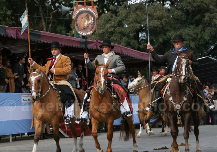 Défilé de gauchos à Salta